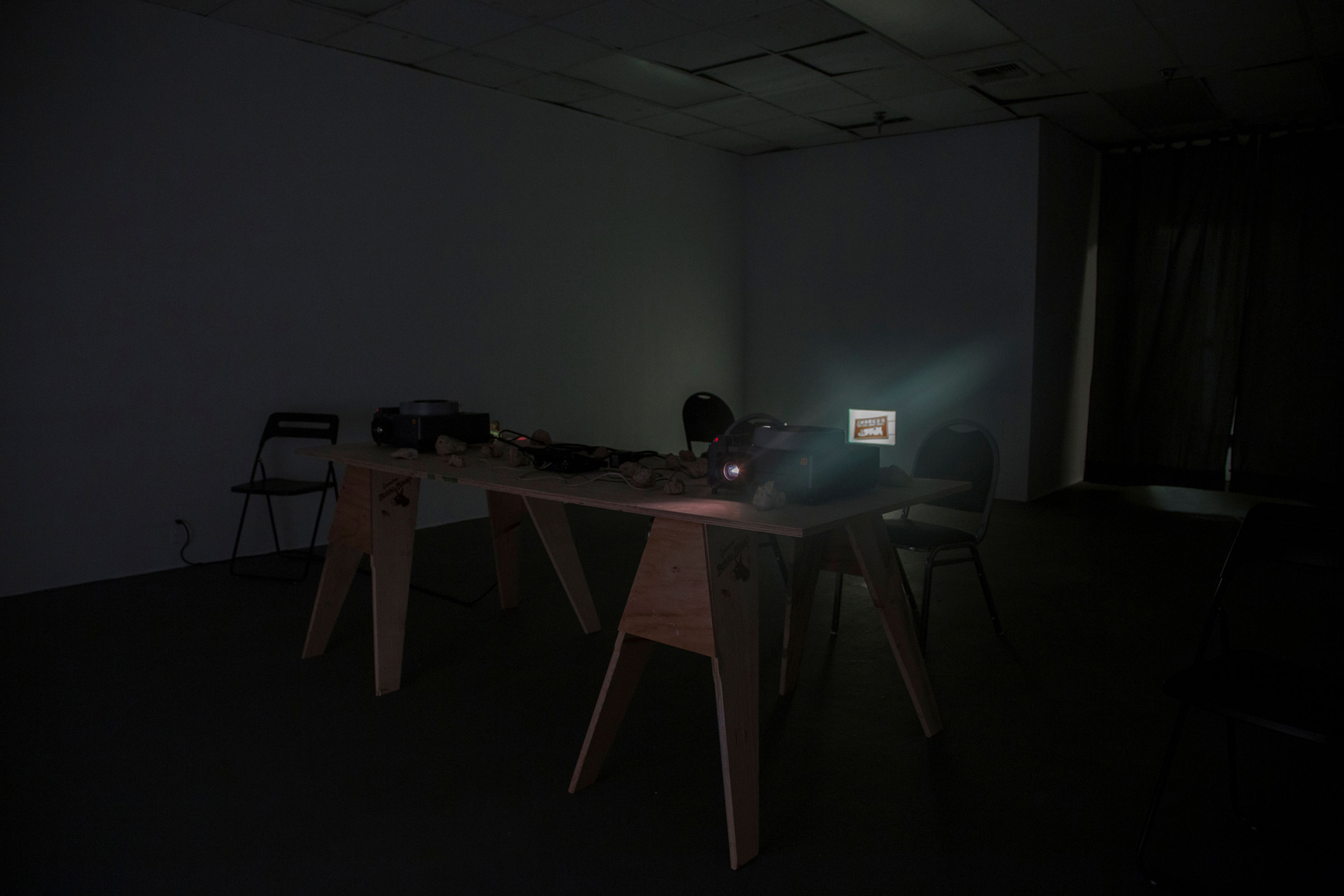When Ta-tung-tan disappears, Pai-tung-tzu reappears, Installation view, Gallery A402, CalArts, April 2–9, 2016
